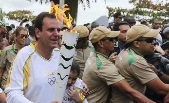 Antorcha pisa suelo Olímpico para llegar a dubai