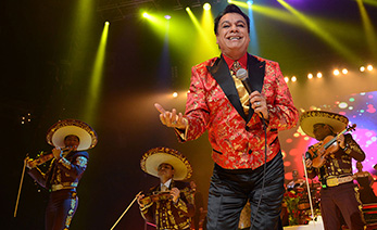 "OAKLAND, CA - SEPTEMBER 28:  Singer Juan Gabriel performs during his ""Volver Tour 2014"" on September 28, 2014 in Oakland, California.  (Photo by C Flanigan/FilmMagic)"