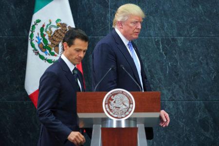 Diplomacia mexicana aguarda respuesta de Clinton para viaje a México