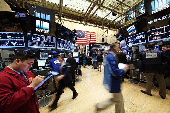 Wall Street abre con ganancias y el Dow Jones avanza 0,49%
