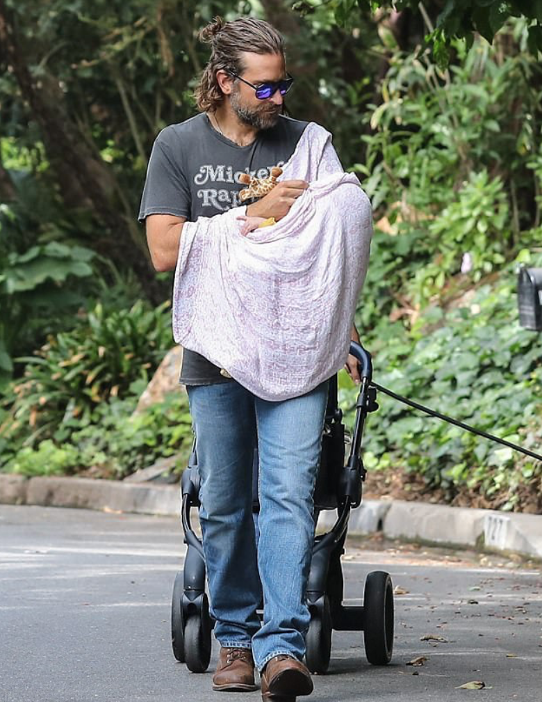 Primeras imágenes de Bradley Cooper con su bebé