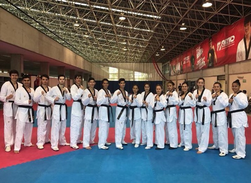 Taekwondoínes mexicanos van a Corea para Mundial
