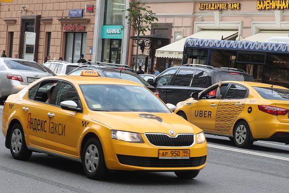 Uber se fusiona con un competidor en Rusia