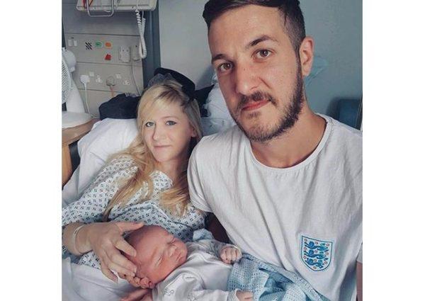 Hospital británico reexaminará caso del bebe Charlie Gard