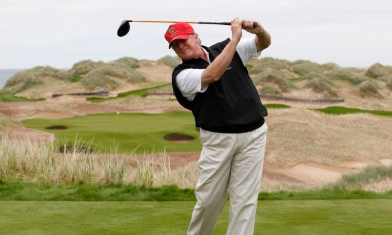 Trump alista sus primeras vacaciones como presidente de EU