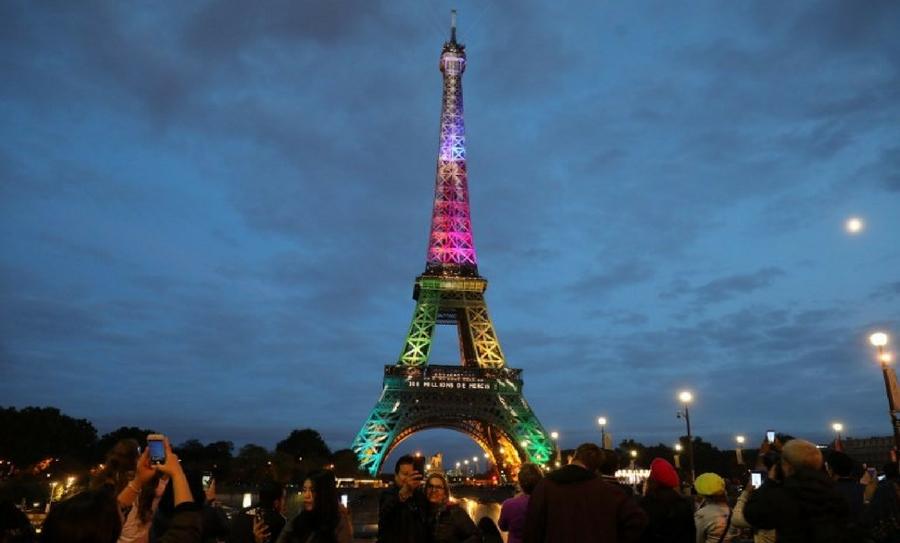 La Torre Eiffel es el monumento más hermoso y representativo de París, Francia