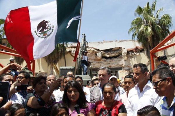 Anuncia el titular de la SEP la demolición del Centro Escolar Juchitán