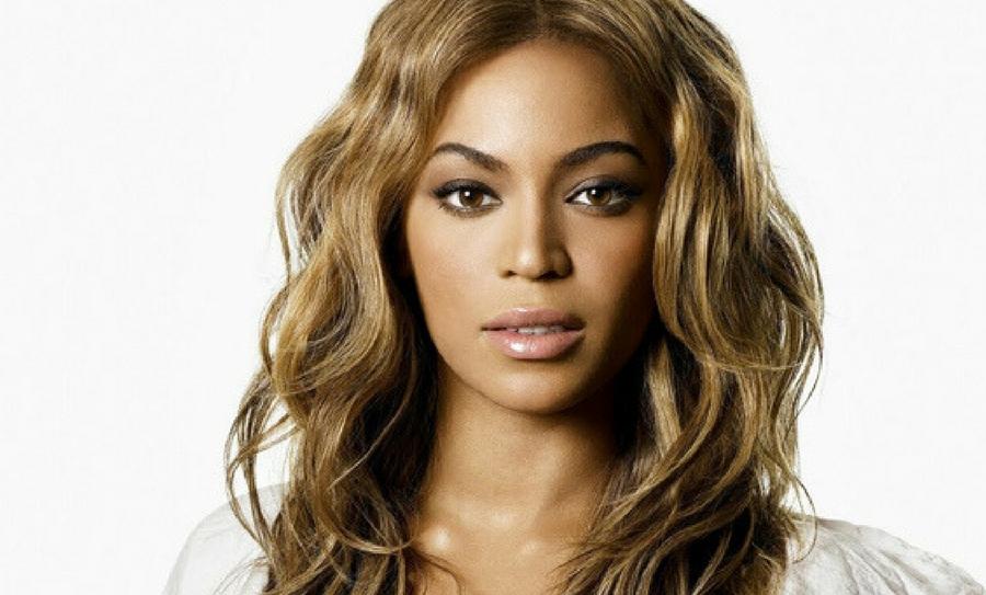 Beyonce lloró al visitar a víctimas de Harvey