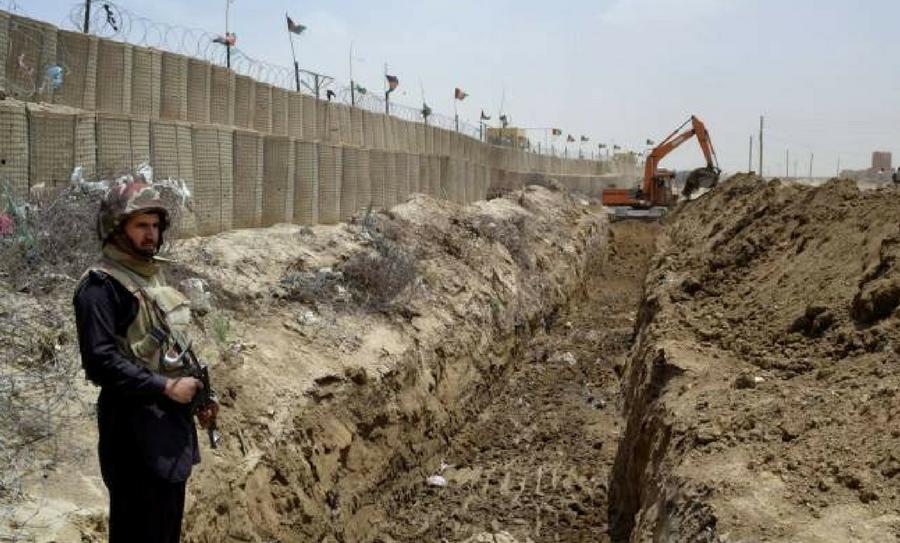 Pakistán construye una valla, Valla en la frontera con Afganistán, Pakistán, Afganistán, talibanes, Al Qaeda, grupos extremistas, protección fronteriza en Pakistán,