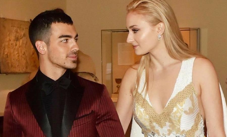 Joe Jonas y Sophie Turner anuncian su compromiso, Sophie Turner, Game of Thrones, Joe Jonas, Kit Harington, Nick Jonas
