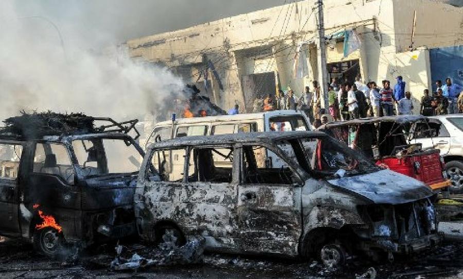 Somalia, camión bomba, camión bomba en Somalia, ataque terrorista, atentado en Somalia, coche bomba, Al Qaida