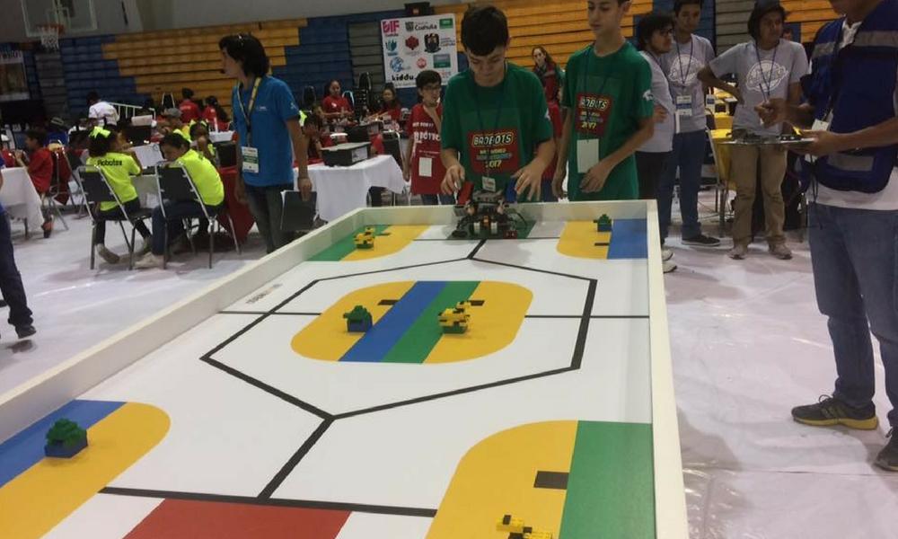 Robots juegan fútbol y luchan por el medio ambiente en Olimpiada Mundial / Fuente: @WroMexico