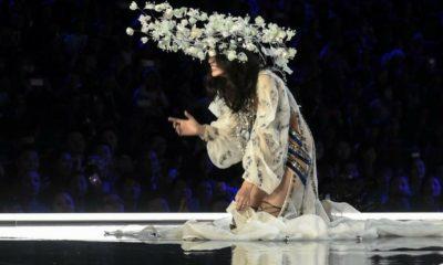 Victoria's Secret celebró su primer desfile en China, Victoria's Secreten Fashion Show, Victoria's Secret China, modelo del Victoria's Secret se cayó