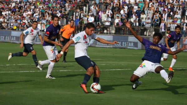 Alexander Succar jugador peruano