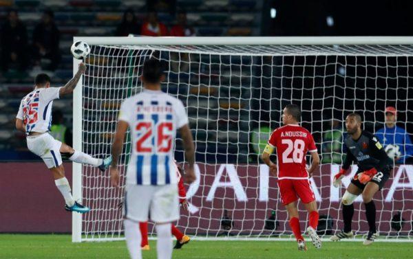 Víctor Gúzman anotó el único gol