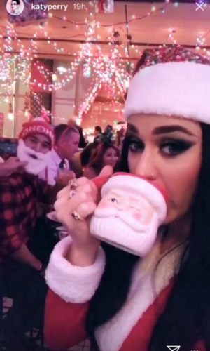 ¿Katy Perry regresó a su antiguo look?¡se ve muy bien! Dise%C3%B1o-sin-t%C3%ADtulo-11-5-300x500