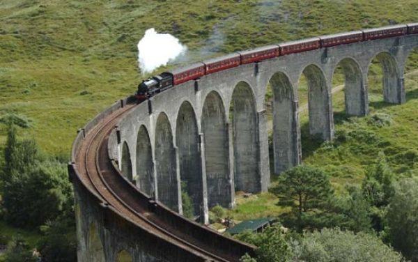 ¡Todos a la plataforma 9 3/4! Conoce el tren de Harry Potter que arranca en marzo harry-potter-train-600x376