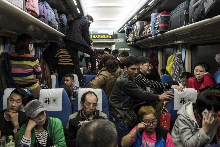 China festejará el Año Nuevo entre felicidad y tristeza 000_ZG84C