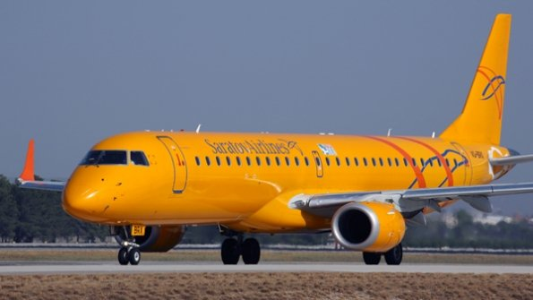 Avión ruso se estrelló con 71 pasajeros abordo en las afueras de Moscú DVwbNCYXcAA7JRn