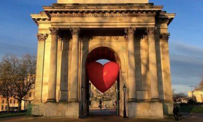 Enormes corazones que invaden a Londres