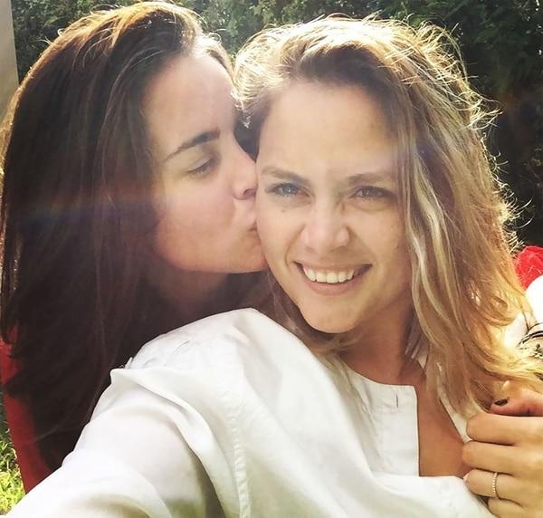 Despiden a maestra luego de anunciar su boda por Instagram con otra mujer Jocelyn-Morfii