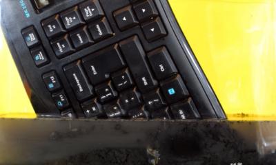 teclado que se derrite en acetona ,