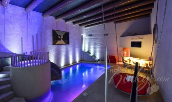 ¿Noche de...pasión? Estas son las habitaciones más exóticas y románticas de moteles para San Valentín newport-villas-suites-presidencial-600x355