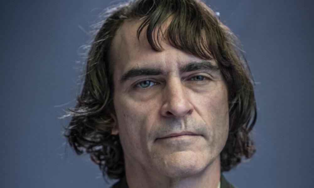 Joaquin Phoenix maquillado como 'The Joker'