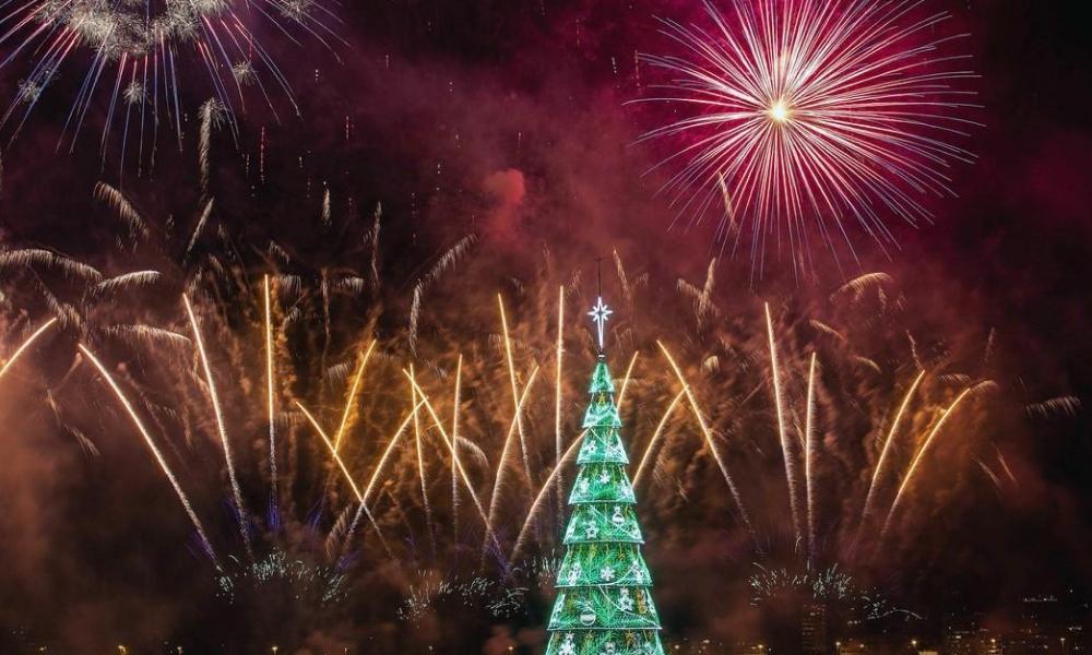 árbol de navidad flotante más grande del mundo