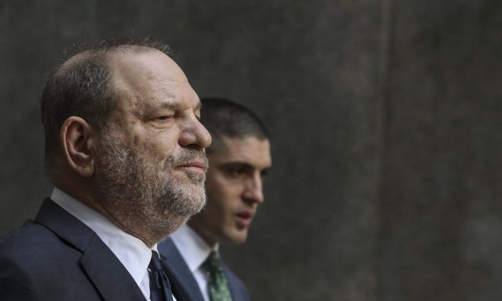 anular cargos contra Harvey Weinstein