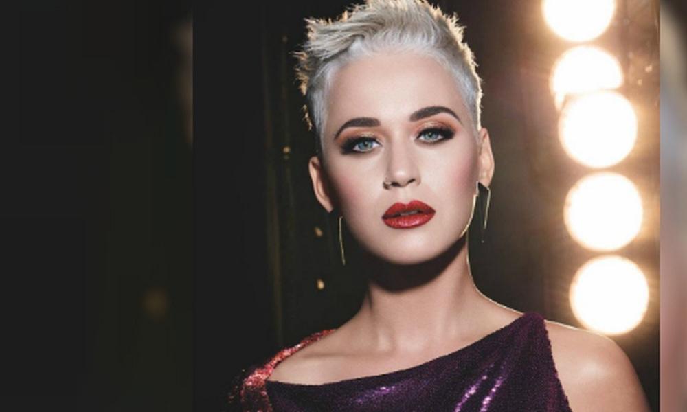Katy Perry estrenó canción navideña