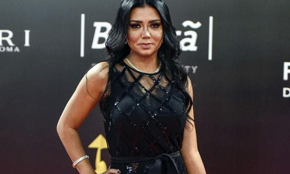 actriz egipcia del vestido transparente