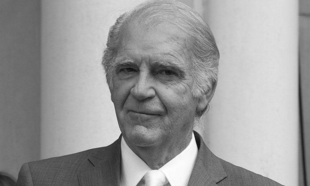 Fernando Luján falleció