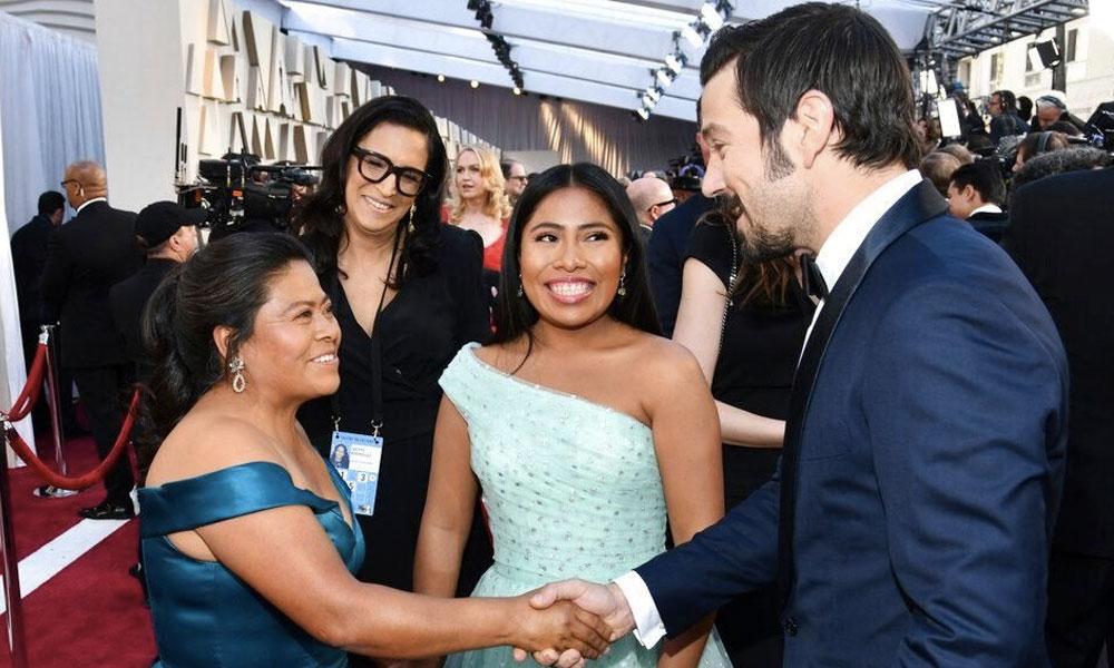 mamá de Yalitza Aparicio en la Alfombra Roja de los Oscar