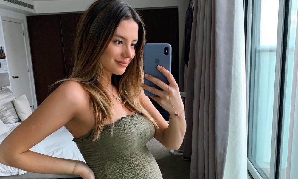 Sarah Kohan presumió sin ropa su embarazo