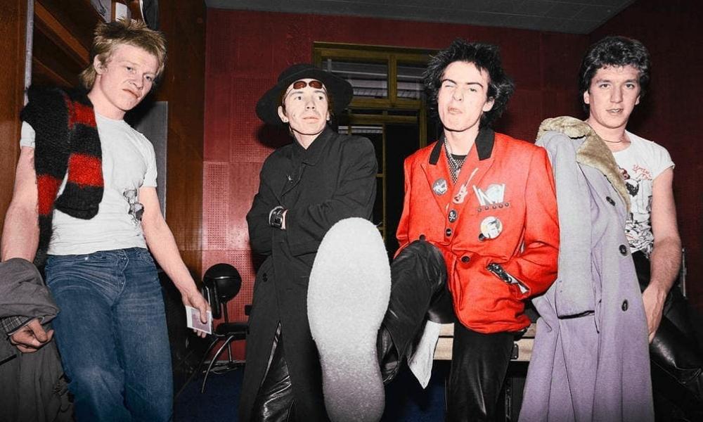 La corta, caótica pero significativa carrera musical de 'Sex Pistols'