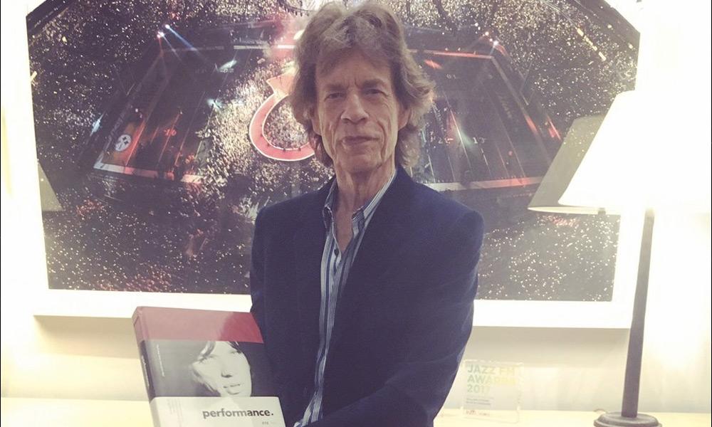 Mick Jagger publicó una foto tras cirugía de corazón