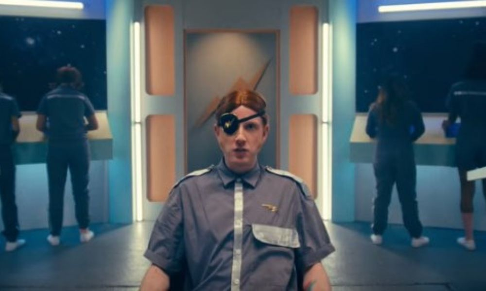 'Satellite' el nuevo sencillo
