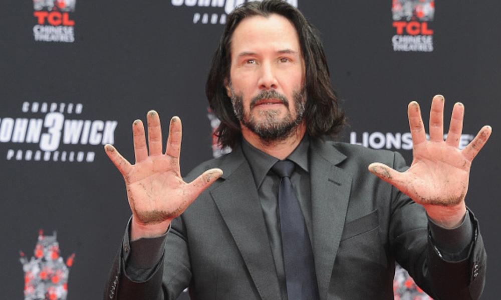 Keanu Reeves plasmó sus huellas