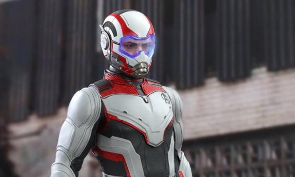 figura de Tony Stark con su traje cuántico