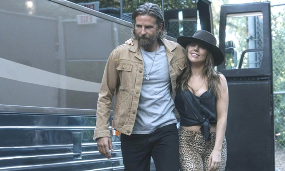 Bradley Cooper y Lady Gaga viven juntos