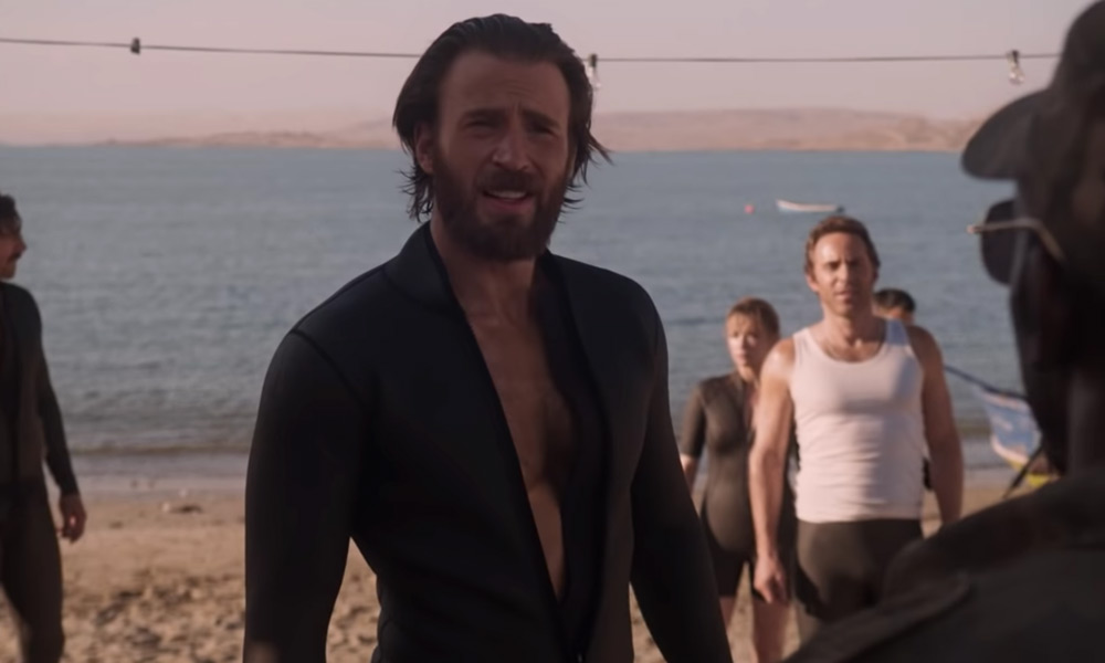 Chris Evans se lució en el primer trailer de 'The Red Sea Diving Resort'