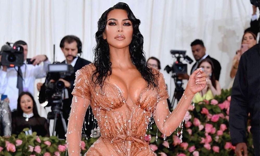 Kim Kardashian se quitó las costillas