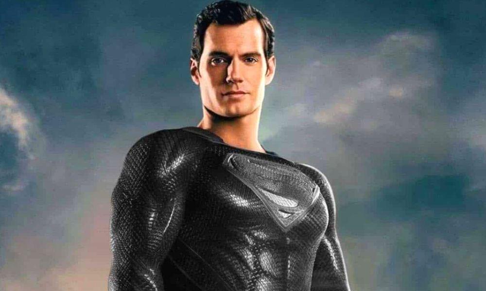 fan art del traje negro de Superman