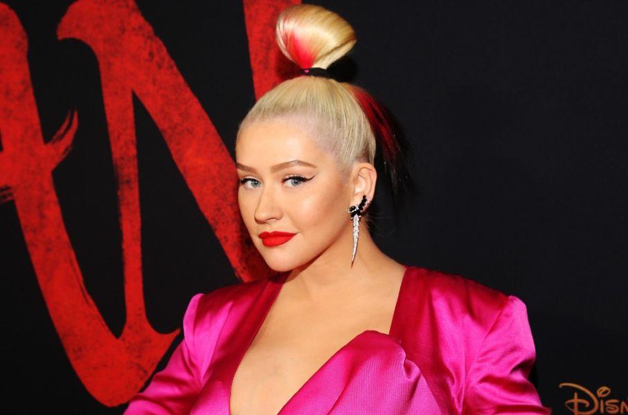 Christina Aguilera lanzó una nueva versión de 'Reflection'