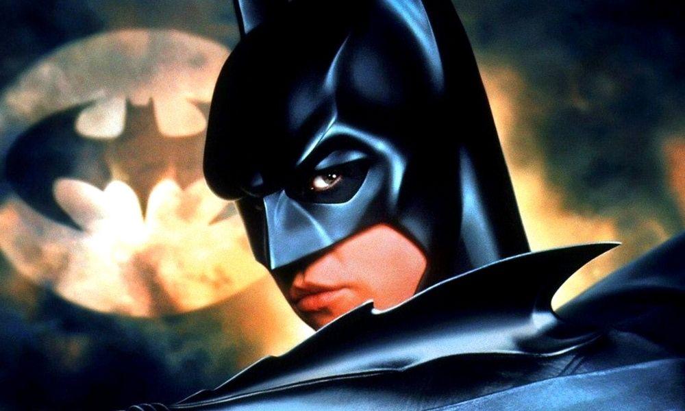 Val Kilmer volverá a usar el traje de Batman