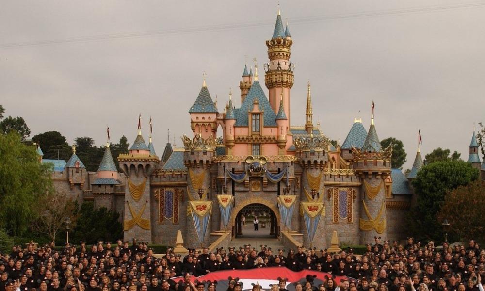 Gobernador de California habló de la reapertura de Disneyland