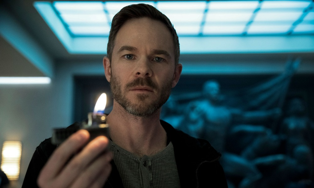 Shawn Ashmore como The Lamplighter